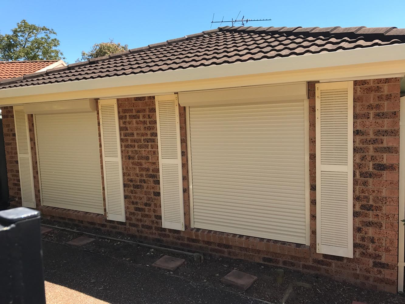 Roller Shutters Vs. Security Screens Blog